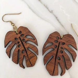 Jewelry - Wooden Leaf Earring Set Hawaiian